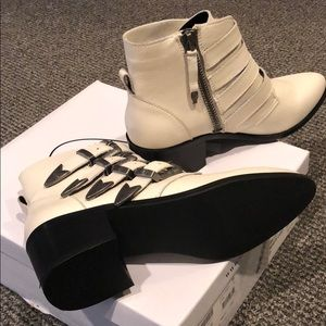 51d580c10ea Steve Madden Shoes - Brand New Steve Madden Billey Ankle Bootie